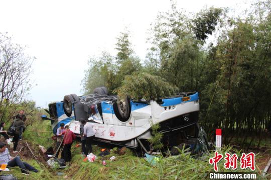 图为:事故现场。 吴涛 摄