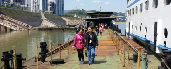 重庆一游轮131名游客呕吐腹泻,125人已康复6人仍治疗
